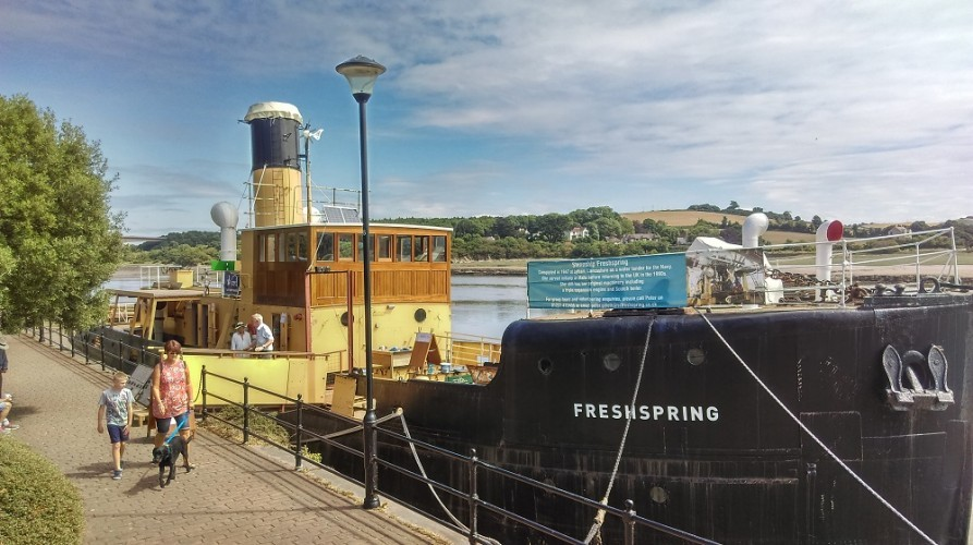 Visiting SS Freshspring on a sunny day