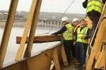 Mast - Ship Volunteers loading onto deck